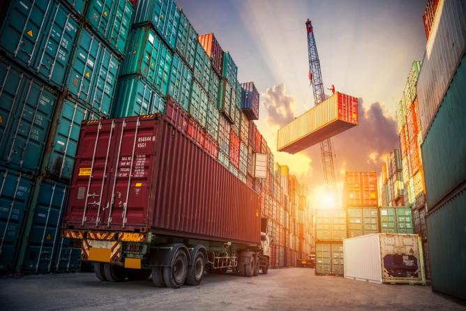 How Freight Brokers Lighten Your Load